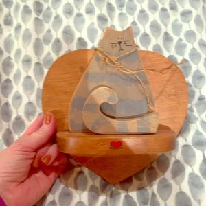 Heart shelf with kitty vintage 1988